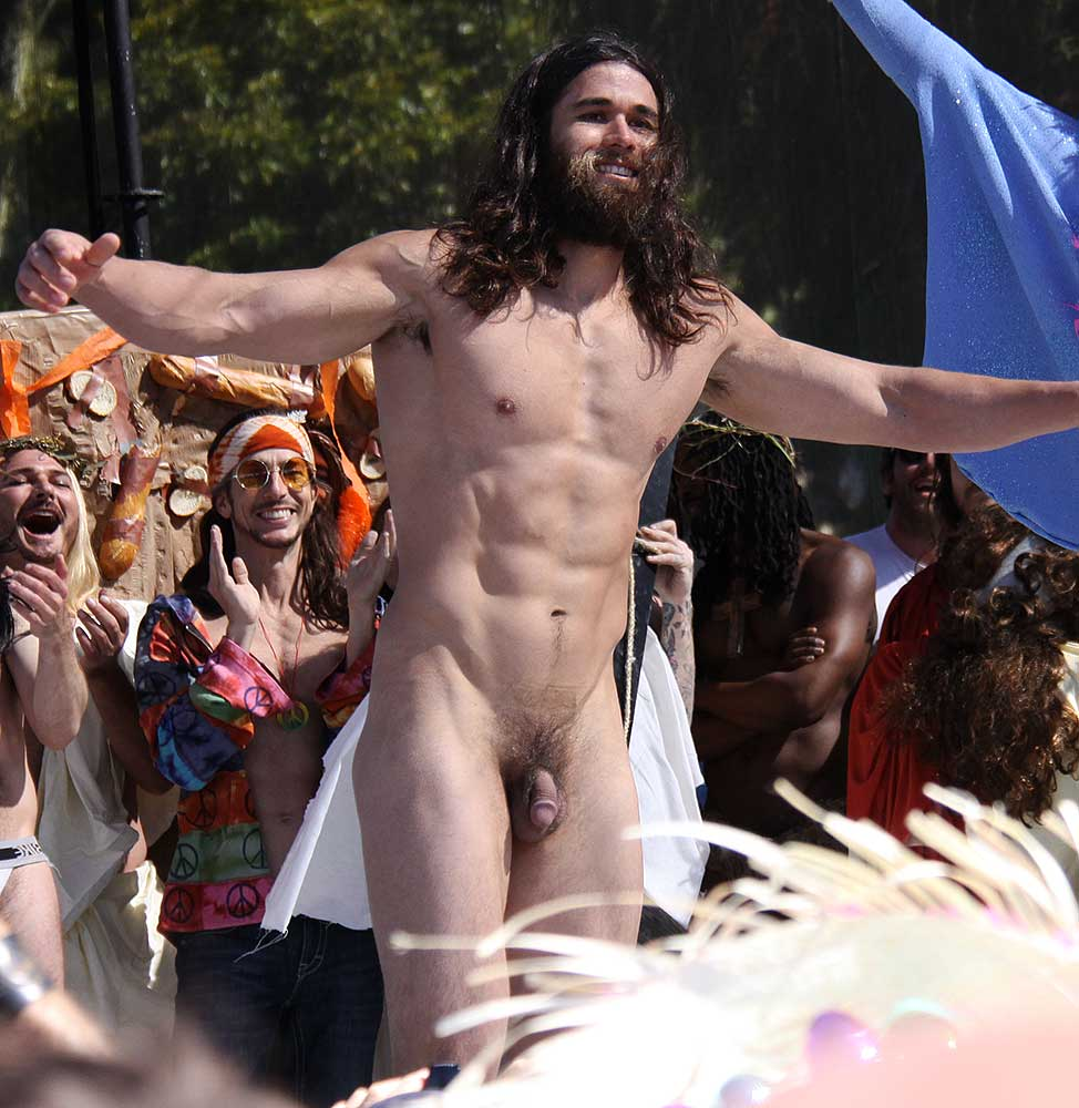 paris-naked-chick-for-jesus