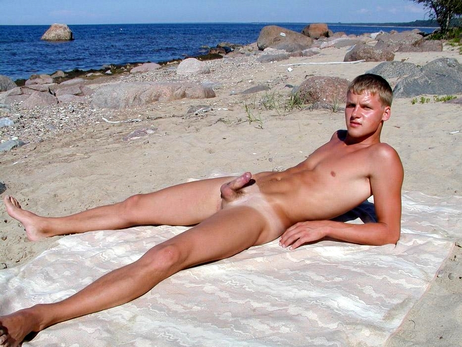 young-boys-in-nudist-beach